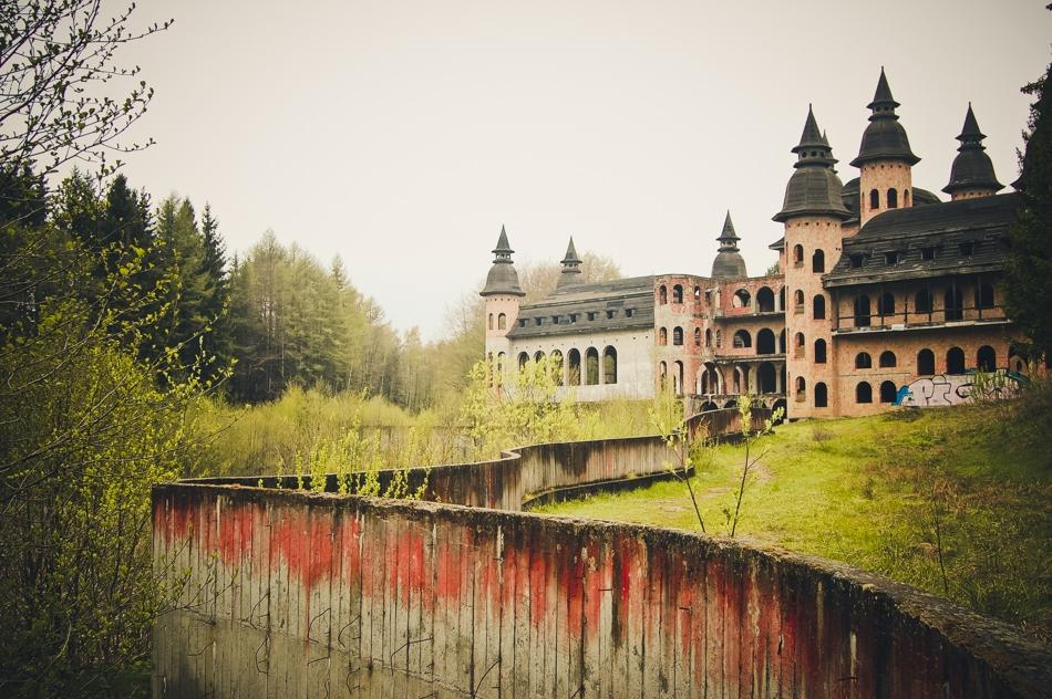 Opuszczony Zamek w Łapalicach