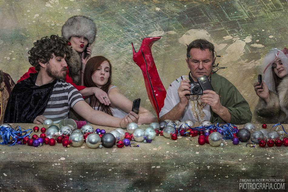 """Świąteczny pastisz """"Ostatnia Wieczerza"""" – zbliżenie"""