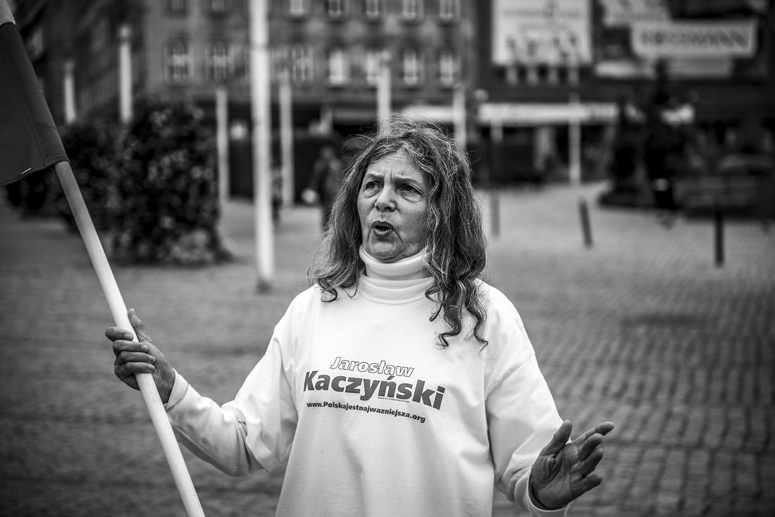 Dama na placu Zbawiciela - piotrografia (8)
