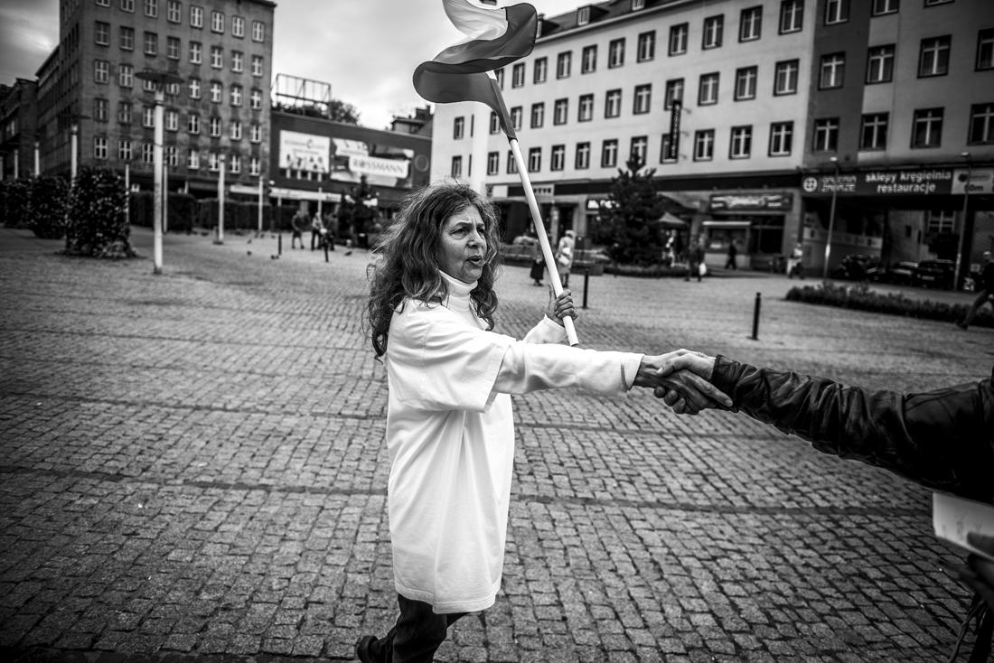 Dama na placu Zbawiciela - piotrografia (9)