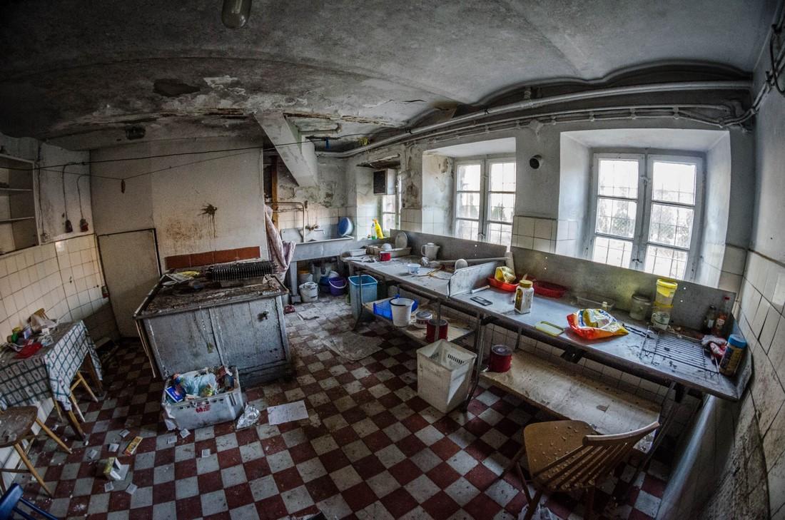 ZbigniewPiotrPiotrowski - opuszczony KASZTELANKA w Jastarni (114)